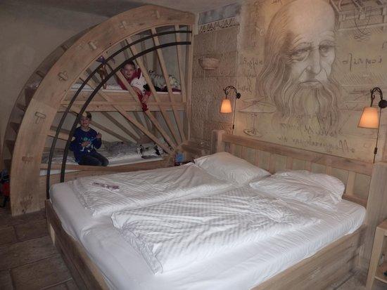 Hôtel Castillo Alcazar : La chambre familiale