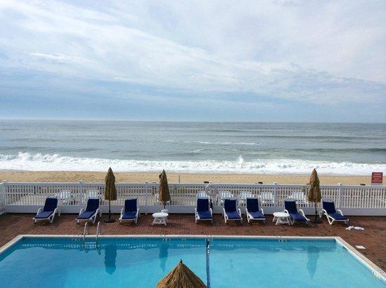 Ocean Surf Resort : Second floor view from room.