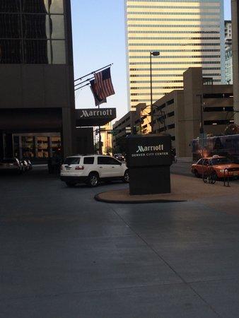 Denver Marriott City Center: Front entrance