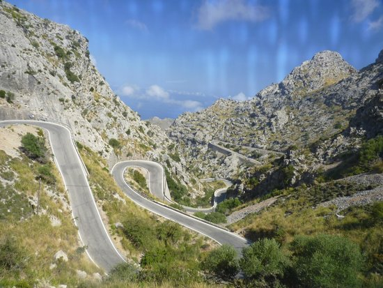 No Frills Excursions: The mountain pass