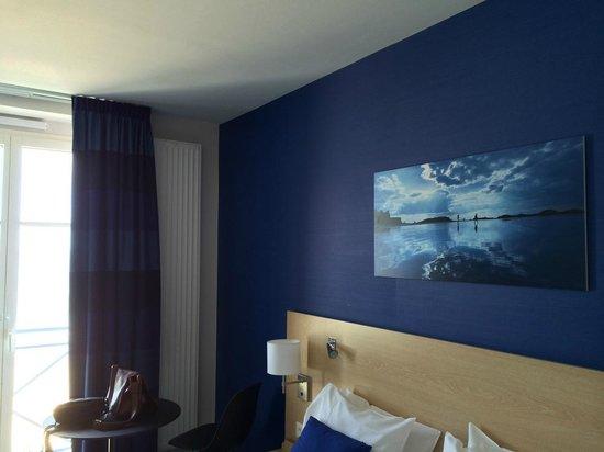 Mercure Saint Malo Front de Mer : Chambre classique assez spacieuse