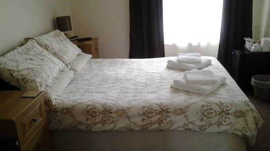 Strathallan Guest House: Room 1 newly refurbished 2014