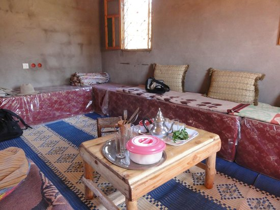 Kasbah Bab Ourika: Lunch in a Berber home