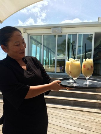 The Cove Eleuthera : Cocktails at lunch