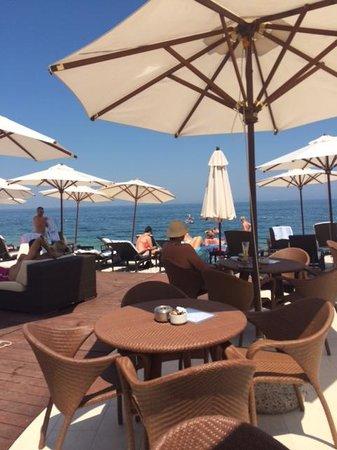 Kempinski Hotel Adriatic Istria Croatia: Bar sulla spiaggia