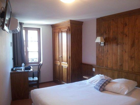 Hôtel de la Cloche : Chambre