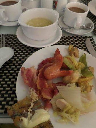 Oriental Central Hotel: breakfast