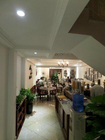Oriental Central Hotel: breakfast restaurant