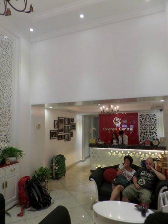 Oriental Central Hotel: lobby