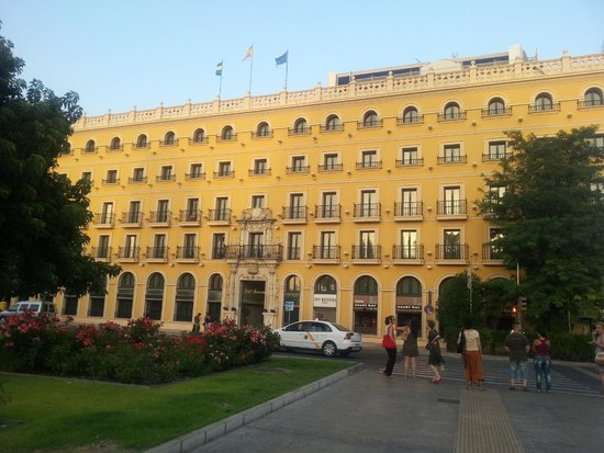 TRYP Sevilla Macarena: Hotel