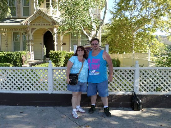 The Victorian Mansion at Los Alamos: outside