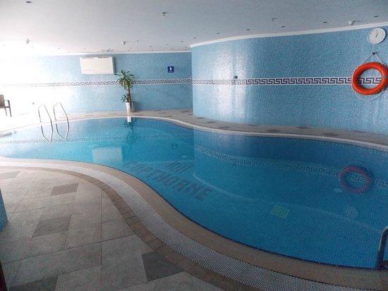Copthorne Hotel Doha: Indoor Swimming Pool
