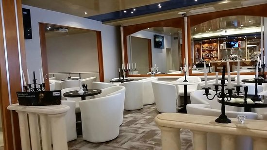 Ambasciatori Hotel: Restaurante aconchegante