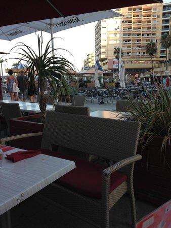 La petite Brasserie: terrasse