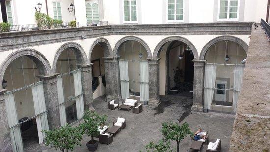 Palazzo Caracciolo Napoli MGallery by Sofitel: Outdoor seatingareas
