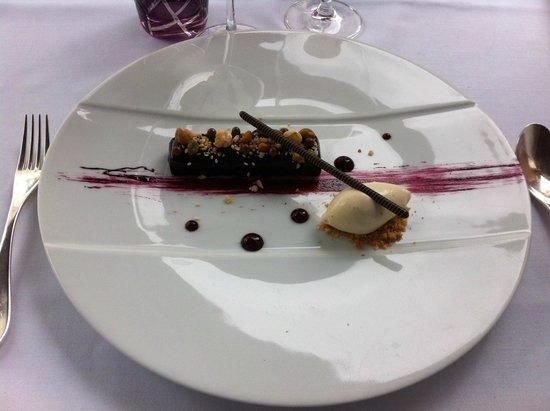 Dessert Finger Cassis Chocolat - Photo de L\'Oiseau bleu, Bordeaux ...