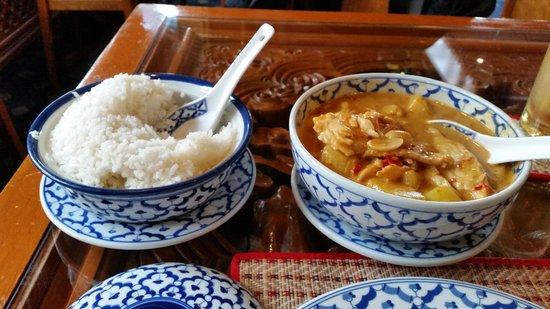 Thai Rainbow Garden: Main course - rice and Chicken Massaman Curry