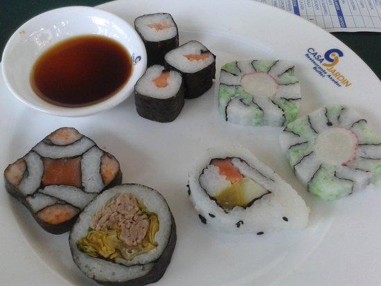 Sushi variado foto elo dur n casa jardin restaurante for Restaurante casa jardin