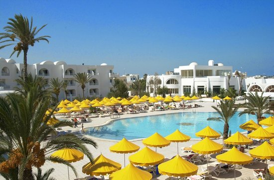 Isis Hotel and Spa : piscine de l'hotel isis a djerba