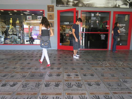 guitar center sunset strip picture of guitar center los angeles tripadvisor. Black Bedroom Furniture Sets. Home Design Ideas