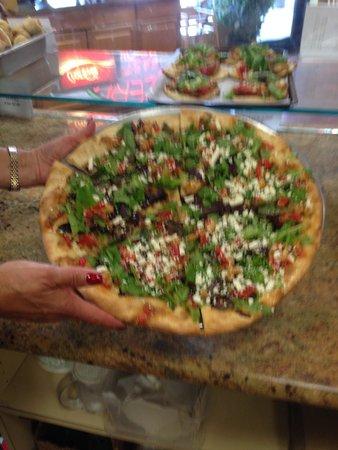 Giovanni's Pizza and Pasta: Salad Pizza
