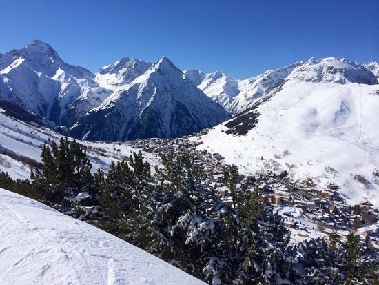 Les Deux Alpes : Nice looking place until you get there