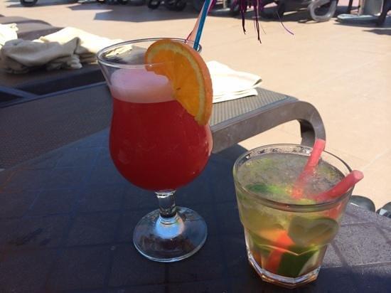 Gural Premier Tekirova: Leckere Cocktails am Pool