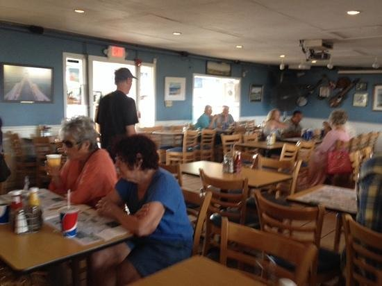 Bill's Seafood Restaurant: inside seating