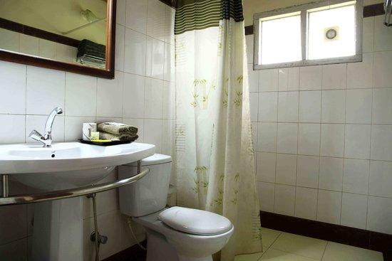 Blue Bells Valley Resort : Bathroom