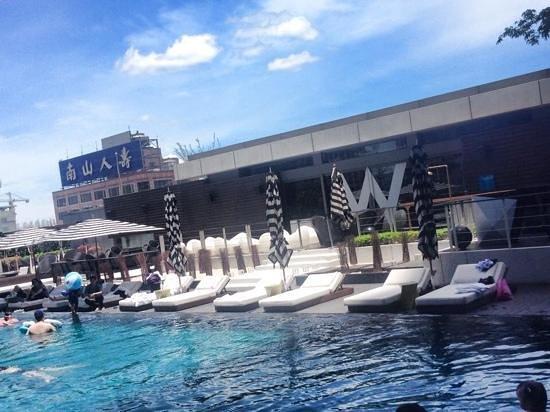 W taipei pool