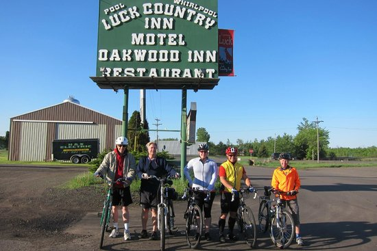Luck Country Inn: Ride day morning!