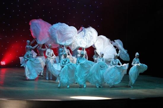 Gural Premier Tekirova: Tanzshow
