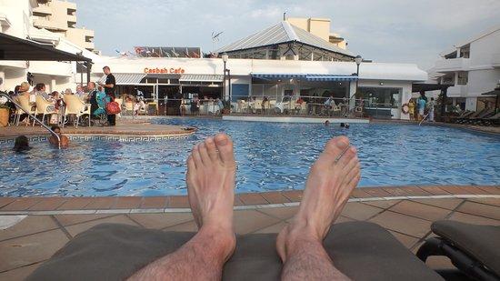 Sahara Sunset Club: piscine vue de mes pieds