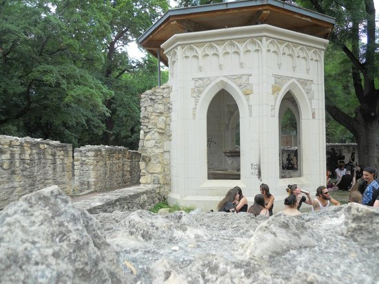Ile Marguerite : Ruins of a Dominikan Monasstery