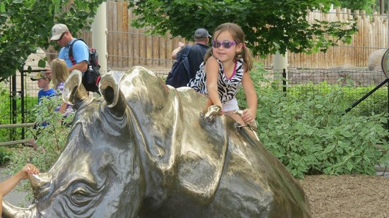 Utah's Hogle Zoo: some sculptures are for climbing on