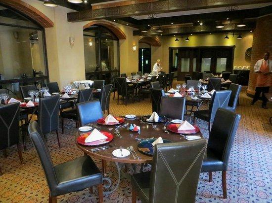 Zagora Grill Room: Dining area