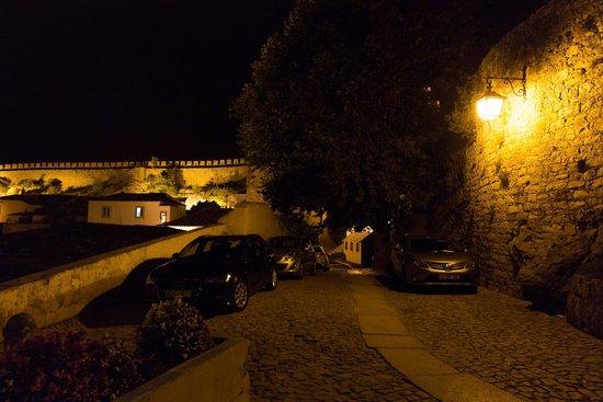 Pousada de Obidos Historic Hotel: Vista local noturna