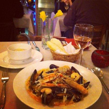 Francine's : Seafood pasta