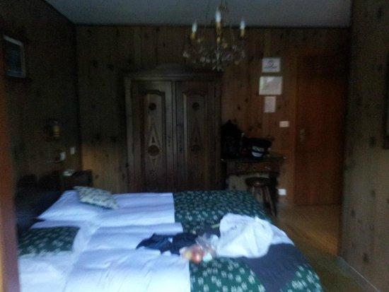 Hotel Edelweiss : Urige gemütliche Zimmer