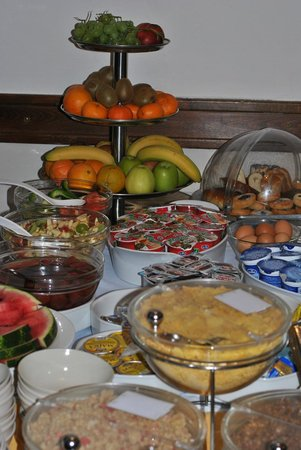Hotel U Tri Pstrosu (At the Three Ostriches): The breakfast