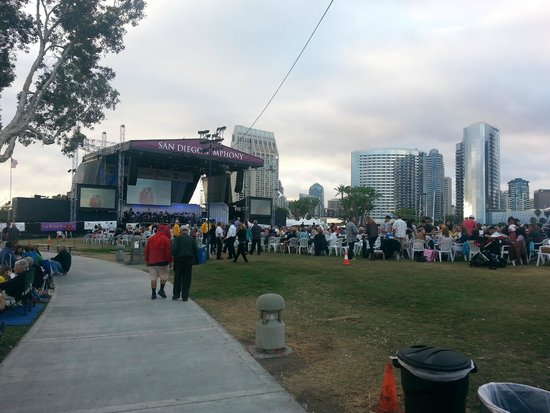 San Diego Symphony: Beautiful setting between the harbor and the San Diego skyline!