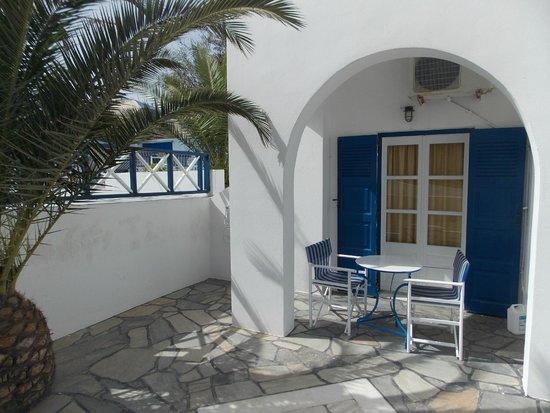 Margarita Hotel: Une chambre latérale de l'hôtel