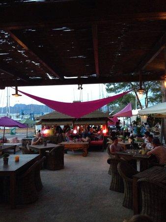 5 Océanos : Goede relaxed lounge tent. Goede kaart en zeer betaalbaar