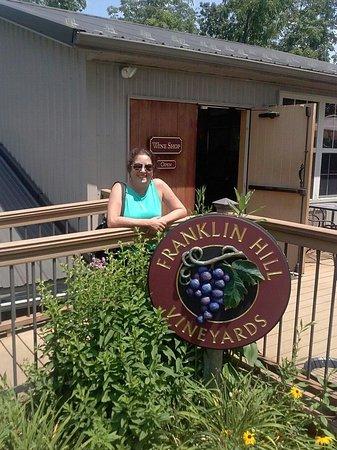 Franklin Hill Vineyards: Vineyard store