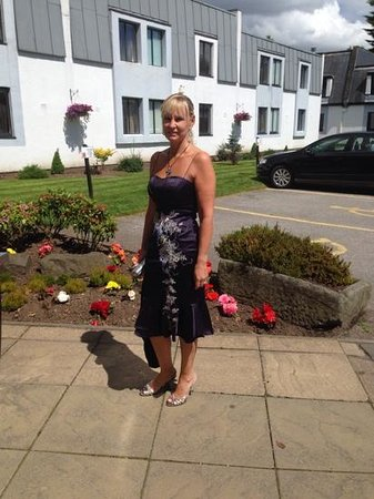 DoubleTree by Hilton Dundee: my beautiful fiancee outside reception x
