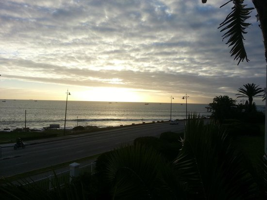 Courtyard Hotel Port Elizabeth: Sunrise from my balcony - standard room