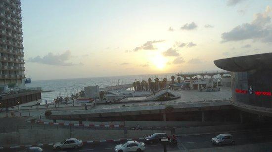 Olympia Hotel Tel Aviv - By Zvieli Hotels: Вид из номера
