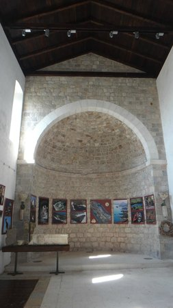 Bar Stari Grad: One of the church ruin