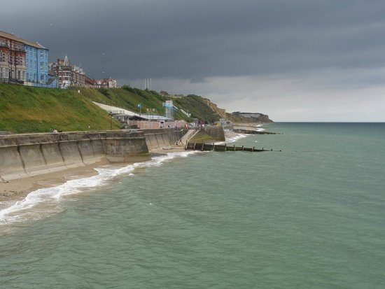 Wellington House B&B: Cromer view from pier (not from room)