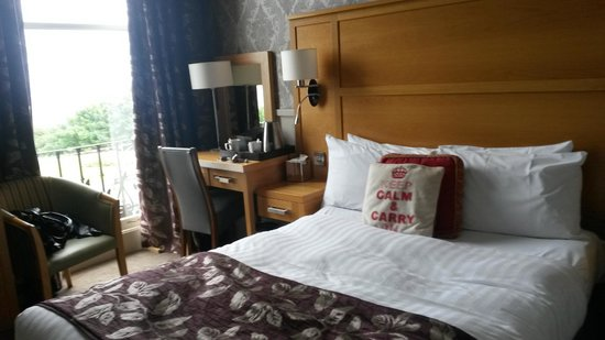 Ambassador Hotel: Double room with sea view
